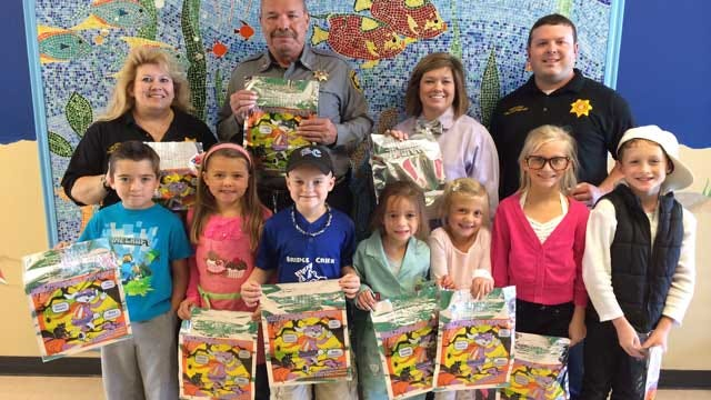 Grady Co. Sheriff's Office Delivers Halloween Treat Bags To Kids