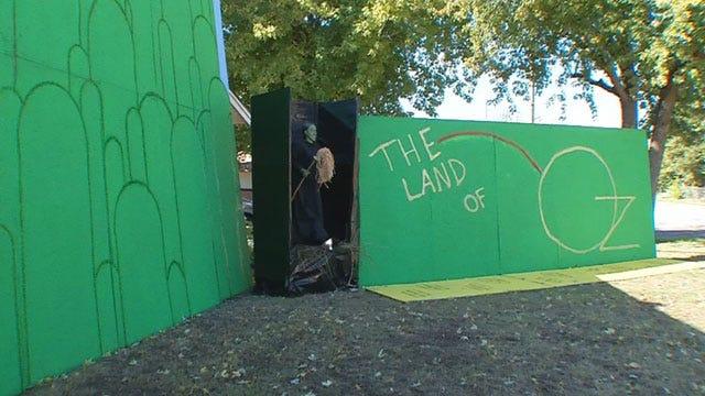 Anadarko Family Creates 'Oz' Themed Halloween Fun House
