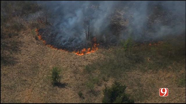 Firefighters Contain Wildfire In Lincoln County