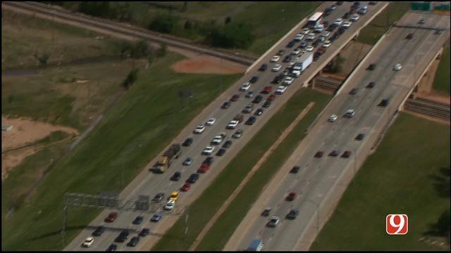 Three-Vehicle Crash Slows Traffic On NB I-35 At Oklahoma River