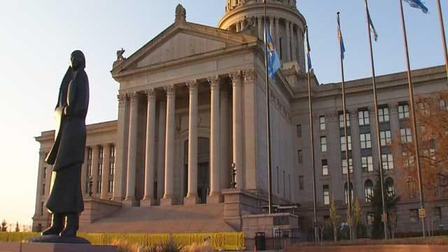 Oklahoma Governor Signs Income Tax Cut Bill Into Law