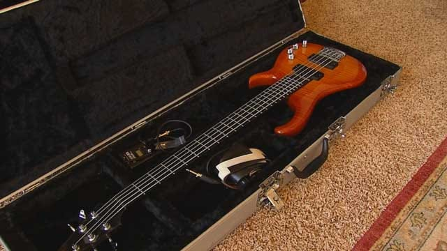 Musician Reunited With Expensive Guitar, Three Men Arrested