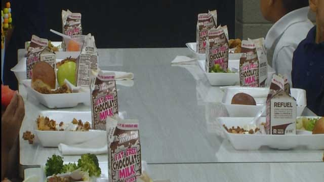 Mustang Parents Working To Keep Students Fed