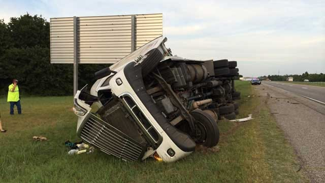 One Injured In Semi Rollover Crash On WB I-40