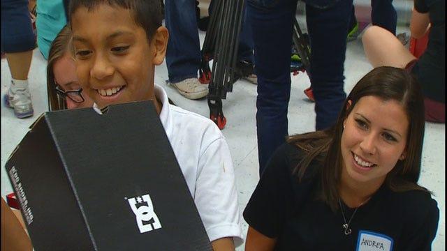 Metro Shoe Warehouse Donates New Shoes To OKC Elementary Students