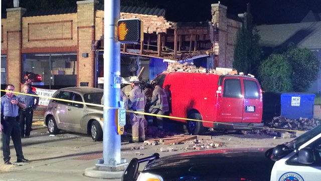 One Killed After Van Crashes Into NW OKC Pizza Parlor