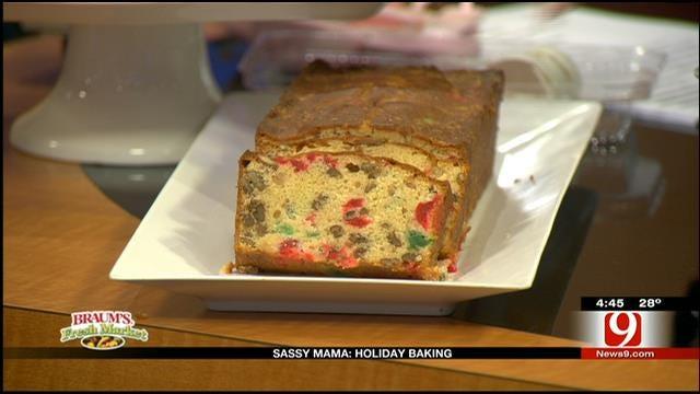 Mistletoe Pound Cake