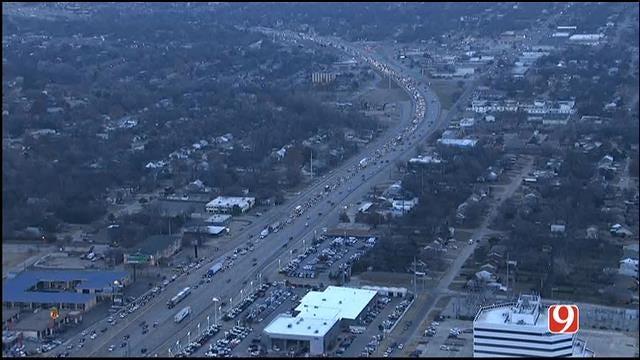 Multi-Vehicle Crash Closes Lanes On WB I-44 Near May