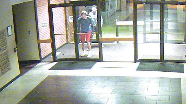 Police Seek Suspects Who Repeatedly Burglarized OC Bookstore