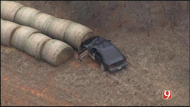 Authorities Search For Suspects After Pursuit Ends In Crash Near Piedmont
