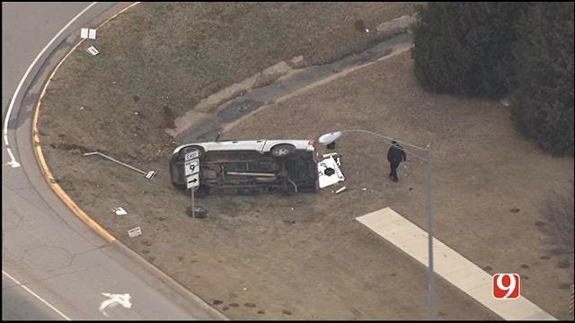Police Pursuit Ends In Crash In Norman