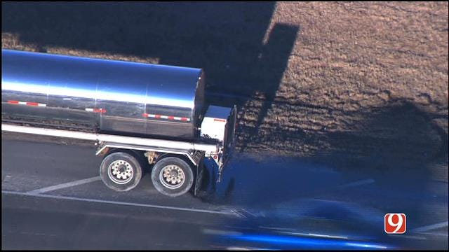 Tanker Spills Syrup Along I-44 In Oklahoma City
