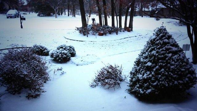 Snow Falls Across Central Oklahoma Thursday Morning