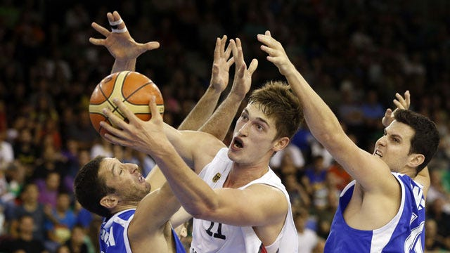 REPORT: Pleiss Could Be Heading To NBA After All