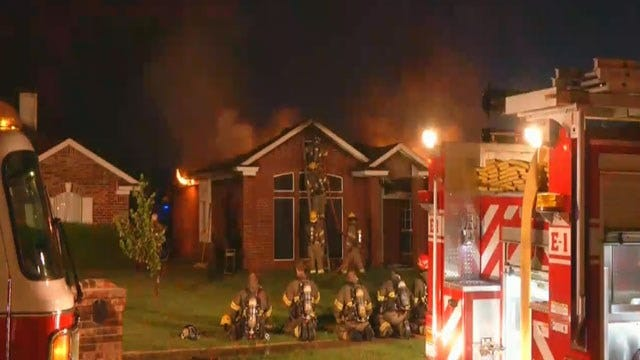 Two Escape Early Morning House Fire In Moore