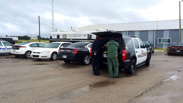 Suspect Flees After Being Arrested For Burglary In McClain County