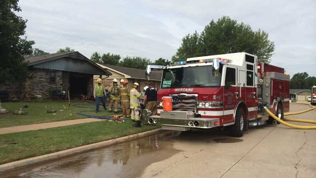 Five, Including Child, Escape Mustang House Fire