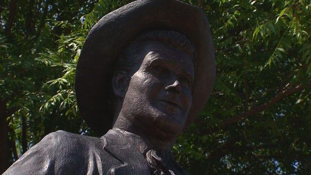 Oklahoma Fans Remember Actor James Garner In Norman