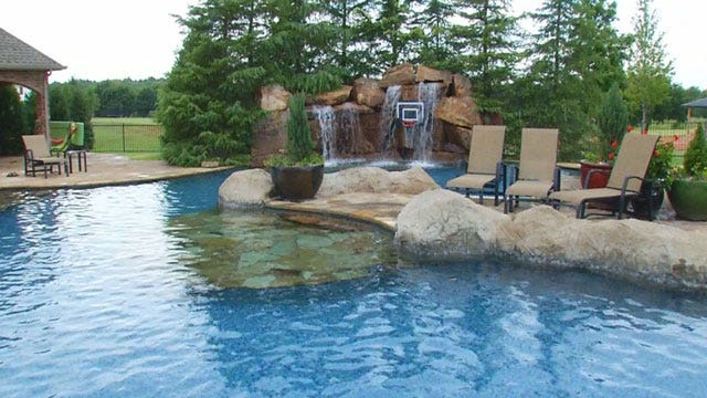High-Dollar Dives Of Oklahoma: Yukon Luxurious Swimming Pool
