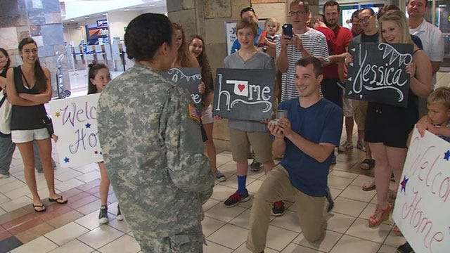 National Guardsman Proposes To Army Girlfriend At Will Rogers Airport