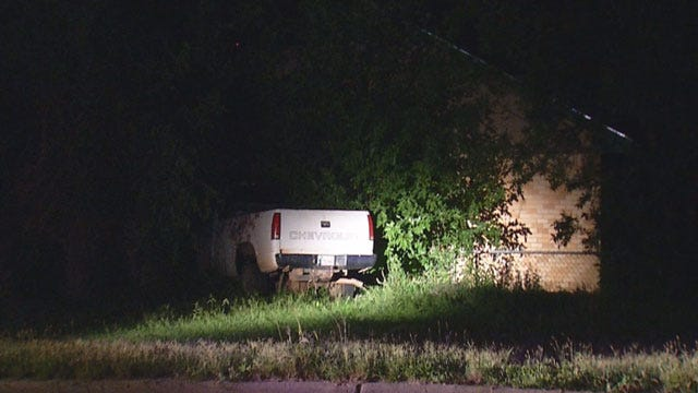 Driver Flees After Crashing Into Car, House In NW OKC