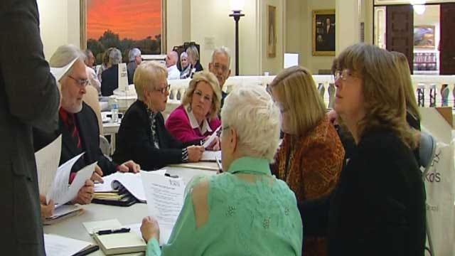 Advocates Take Nursing Home Reform Fight To Fallin's Office