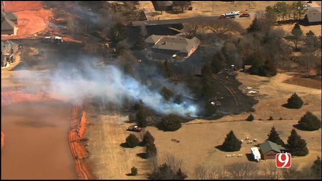 Crews Respond To Grass Fires In Edmond