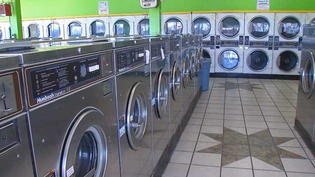 OKC Police Search For Suspects After Laundromat Robbery