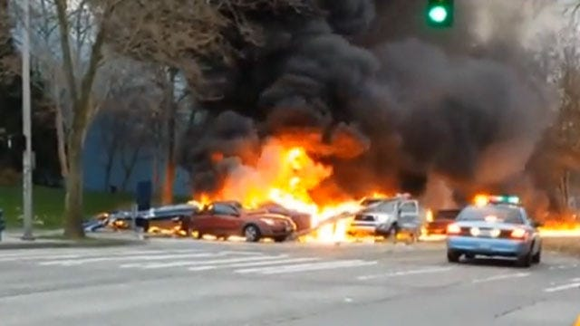 News Helicopter Crashes Near Seattle Space Needle; 2 Dead