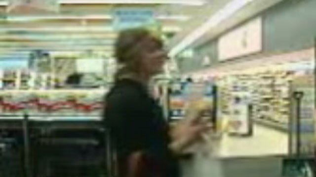 OKC Police Seek Two Suspected Of Using Stolen Credit Cards