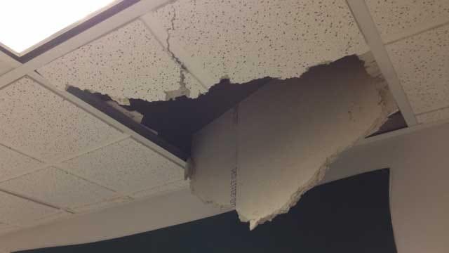 Concrete Chunk Falls Into Oklahoma Capitol Office