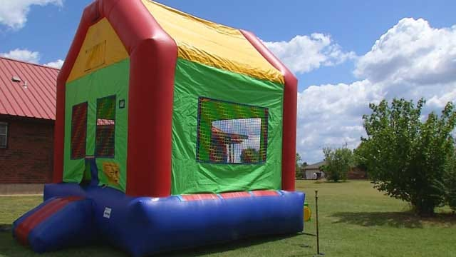 Oklahoma Inflatable Companies Discuss Bounce House Safety