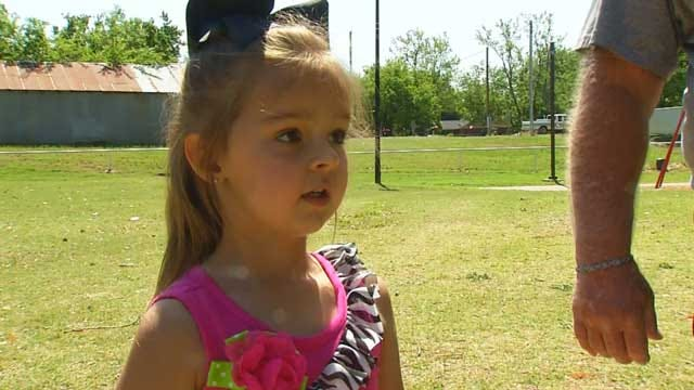 Oklahoma Girl's Persistence Saves Boy From Drowning