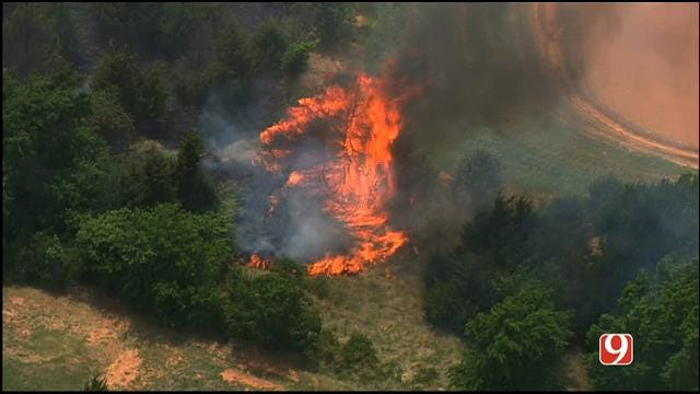 Crews Contain Grass Fire In NW OKC