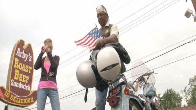 Oklahoma Bikers Visit Wounded Veterans In Memphis