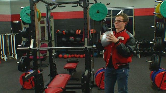 Metro High School Athlete Keeps Playing Despite Losing Parents
