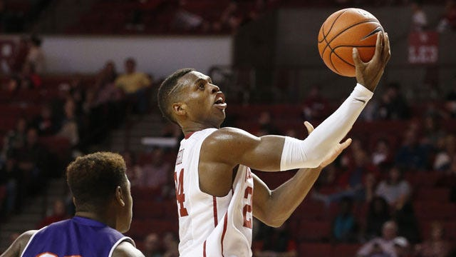 Balanced Attack Leads Sooners Past Demons