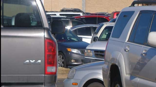 AAA Oklahoma Offers Mall Parking Lot Survival Tips On Black Friday