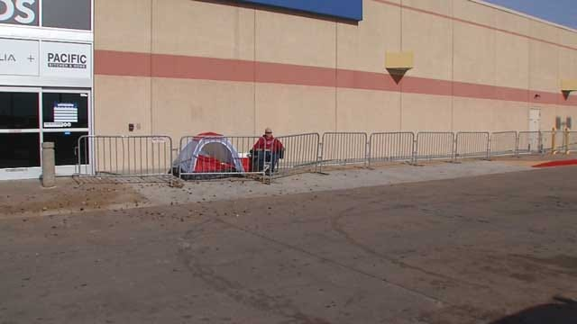 Fewer Black Friday Campers Out At OKC Stores