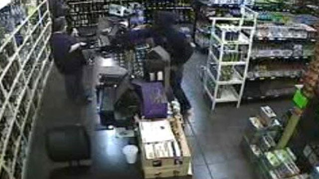 Warr Acres Police Release Photos Of Suspect In Liquor Store Robbery