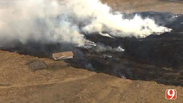 Crews Contain Grass Fire North Of Edmond
