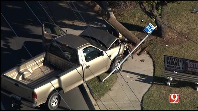 One Injured After Pickup Hits Power Pole In NW OKC