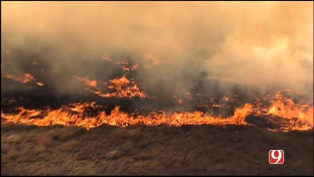 Crews Contain Grass Fire In West Edmond