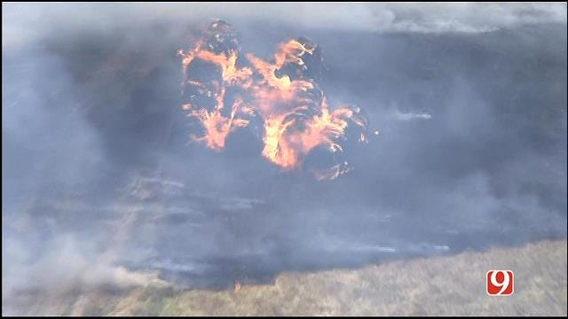 Firefighters Contain Large Grass Fire In NW OKC