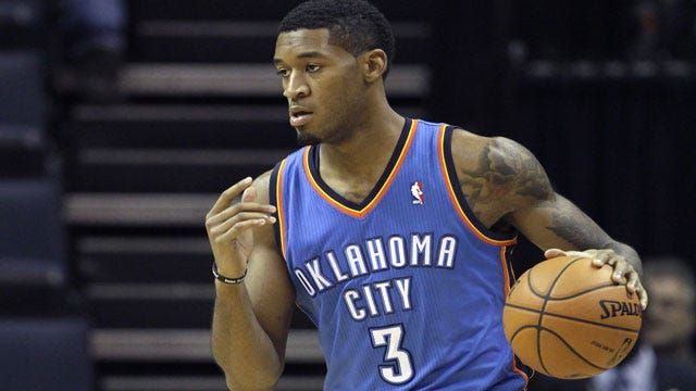 Clippers Top Thunder Despite Jones' Career-High; Westbrook Fractures Hand