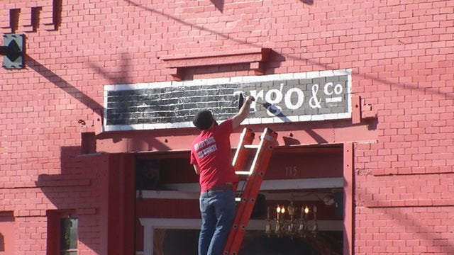 Bricktown Bar Owner Gets Permission To Paint Over Wells Fargo Logo