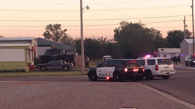 Police Seek Shooting Suspect After Lengthy Standoff In Weatherford