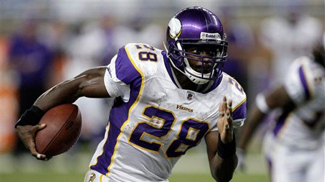 Vikings Ban Adrian Peterson From All Team Activities