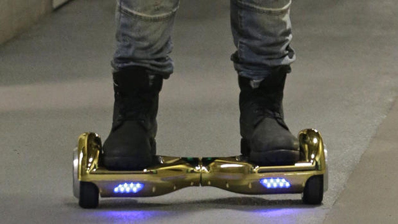 Top U.S. Airlines Add Hoverboards To 'No-Fly' List