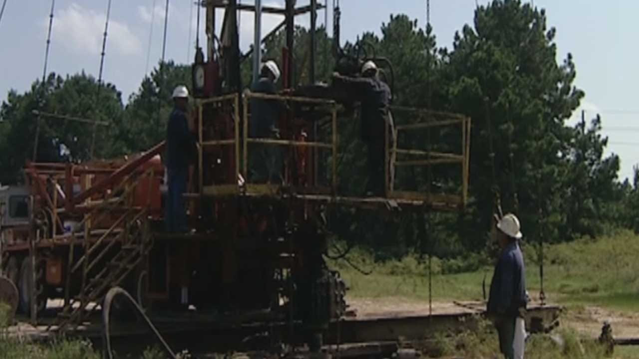 More Layoffs Possible In Oil And Gas Industry In 2016